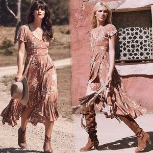 Dresses & Skirts - 🍂Boho Vintage Rose Print Dress